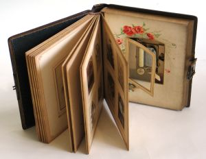 Musical Photograph Album